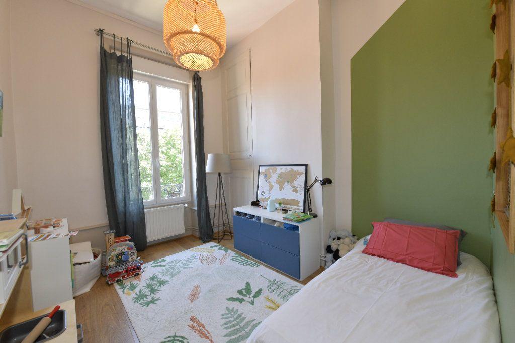 Appartement à vendre 6 139m2 à Clermont-Ferrand vignette-5