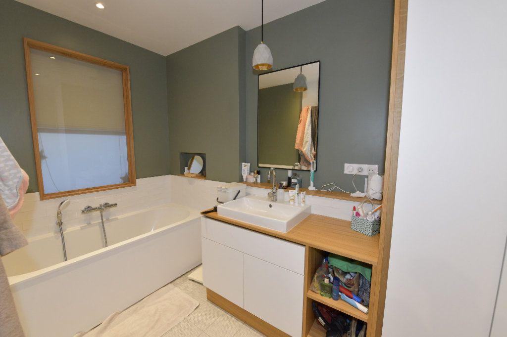 Appartement à vendre 6 139m2 à Clermont-Ferrand vignette-8