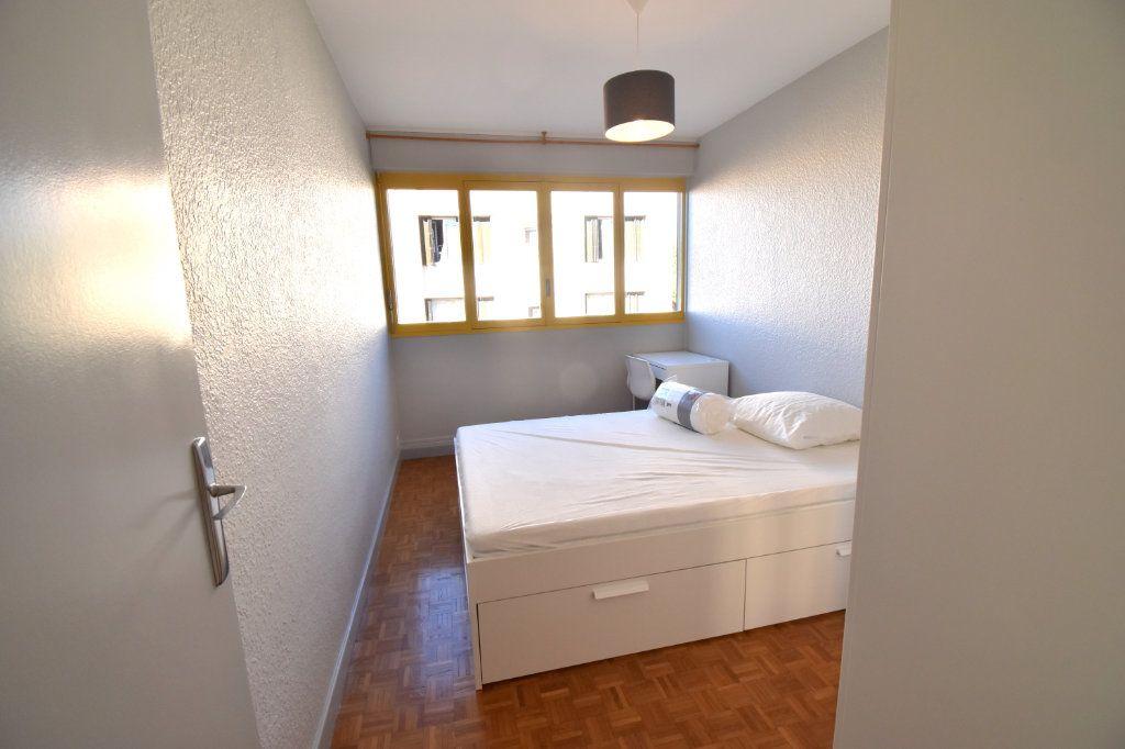 Appartement à louer 5 82.45m2 à Lyon 5 vignette-3