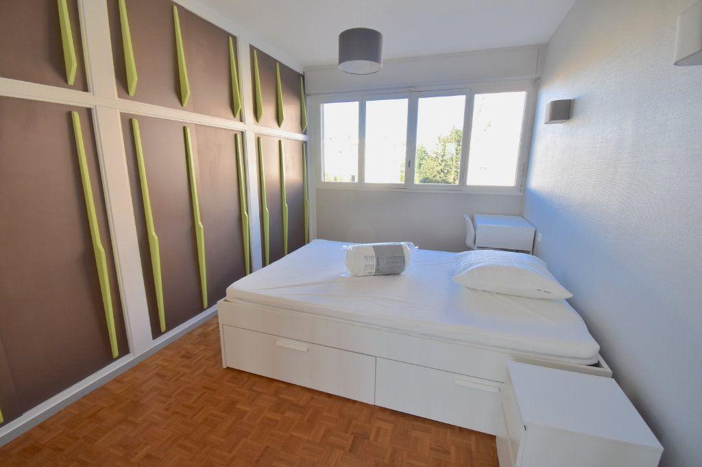 Appartement à louer 5 82.45m2 à Lyon 5 vignette-6