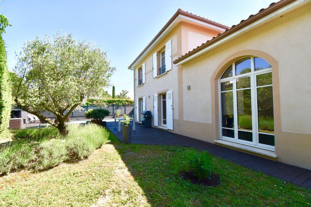 Maison à vendre 7 186m2 à Sainte-Foy-lès-Lyon vignette-1