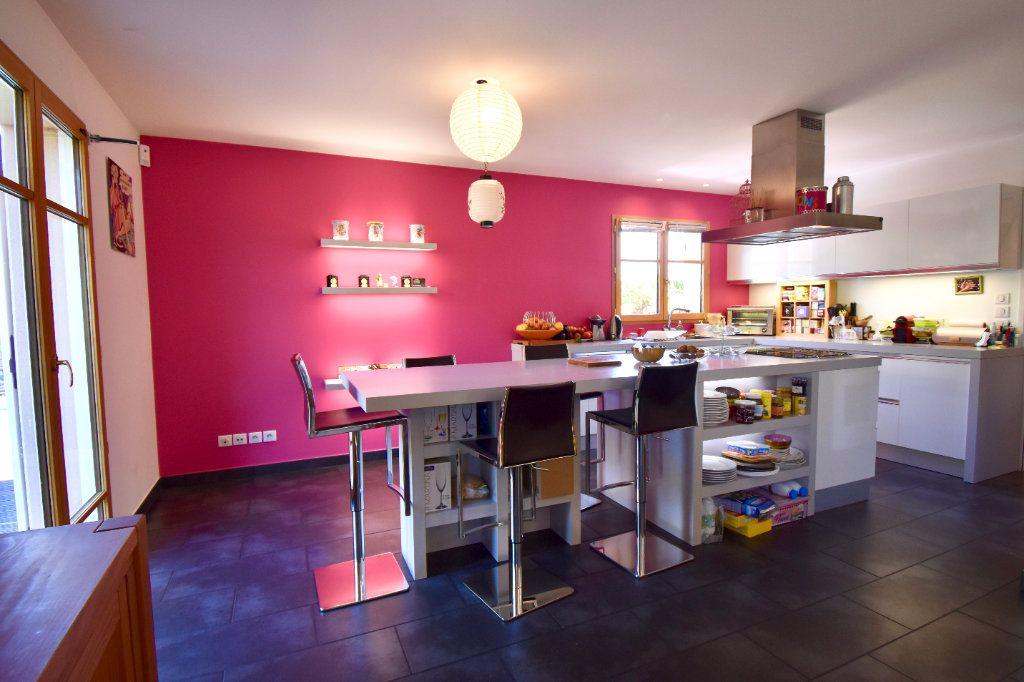 Maison à vendre 7 186m2 à Sainte-Foy-lès-Lyon vignette-6