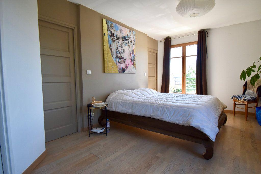 Maison à vendre 7 186m2 à Sainte-Foy-lès-Lyon vignette-7