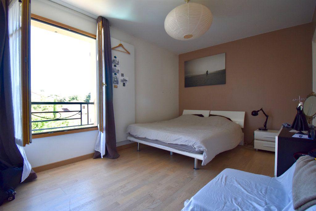 Maison à vendre 7 186m2 à Sainte-Foy-lès-Lyon vignette-10