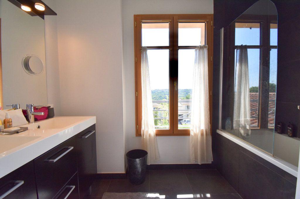 Maison à vendre 7 186m2 à Sainte-Foy-lès-Lyon vignette-13