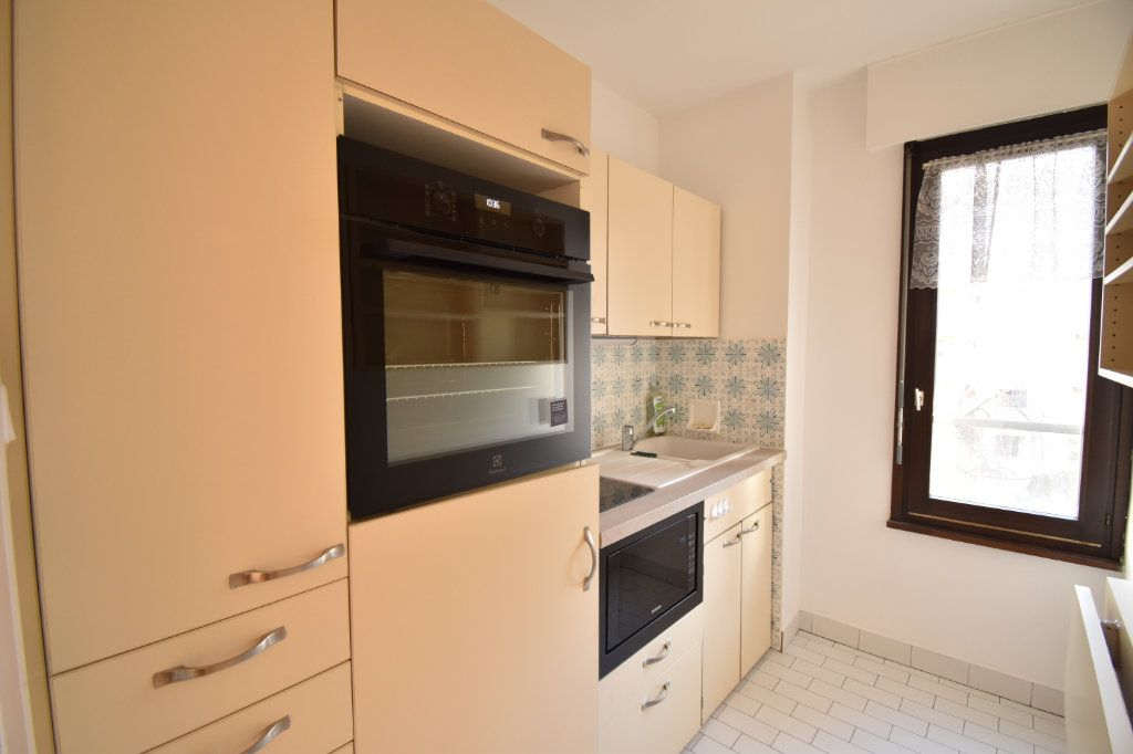 Appartement à louer 2 0m2 à Lyon 6 vignette-8