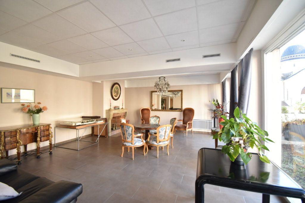 Appartement à louer 2 0m2 à Lyon 6 vignette-10