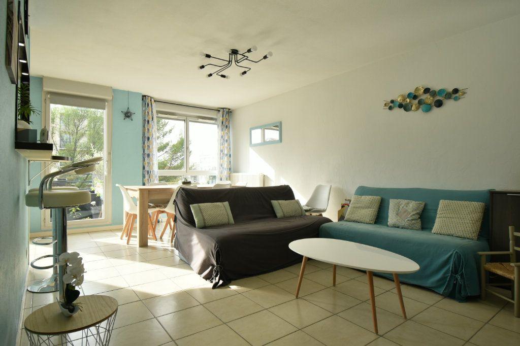 Appartement à vendre 3 65.13m2 à Villeurbanne vignette-1