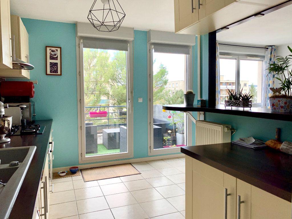 Appartement à vendre 3 65.13m2 à Villeurbanne vignette-4