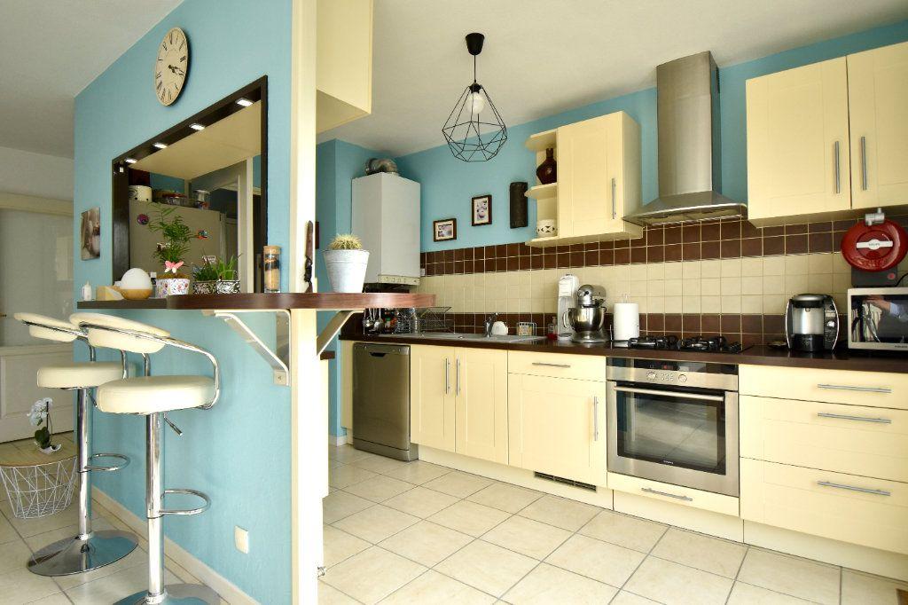 Appartement à vendre 3 65.13m2 à Villeurbanne vignette-5