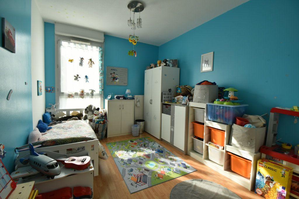 Appartement à vendre 3 65.13m2 à Villeurbanne vignette-7