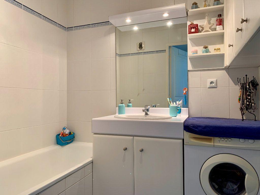 Appartement à vendre 3 65.13m2 à Villeurbanne vignette-8