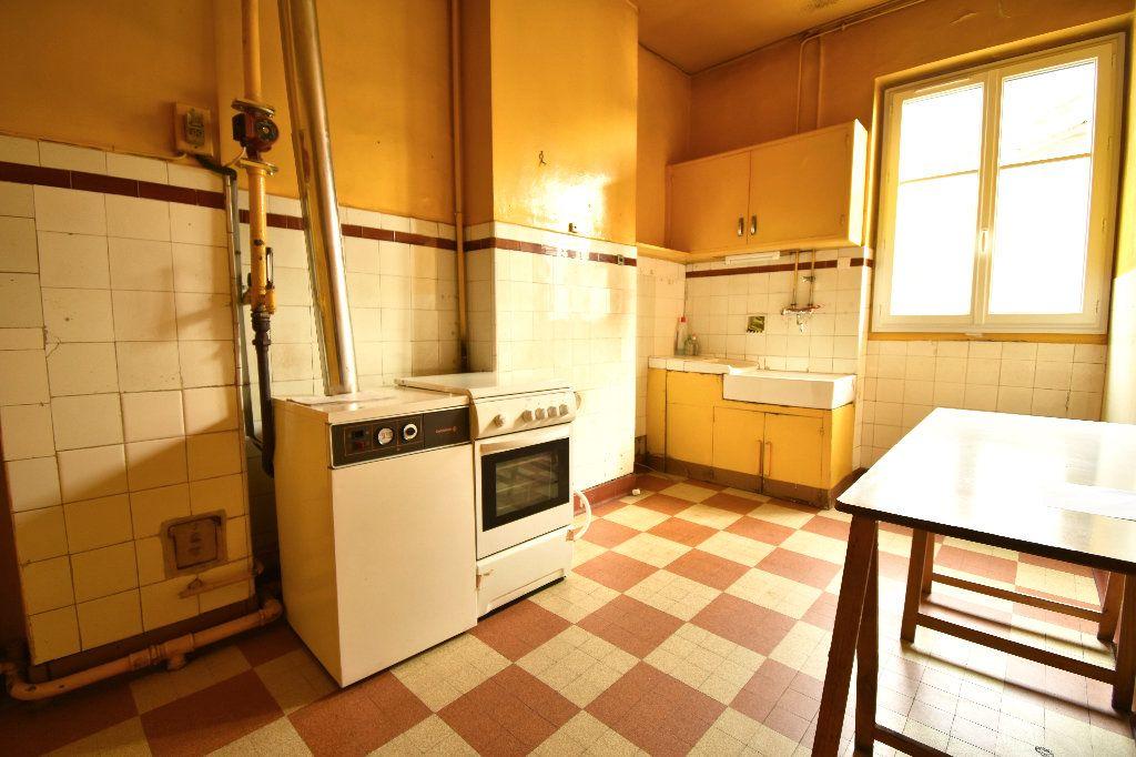 Appartement à vendre 4 119m2 à Lyon 7 vignette-8