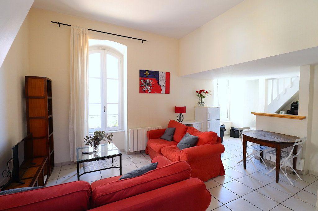 Appartement à louer 3 40.53m2 à Lyon 5 vignette-2