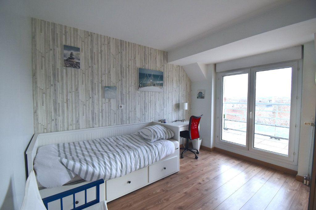 Appartement à louer 5 117m2 à Lyon 7 vignette-11
