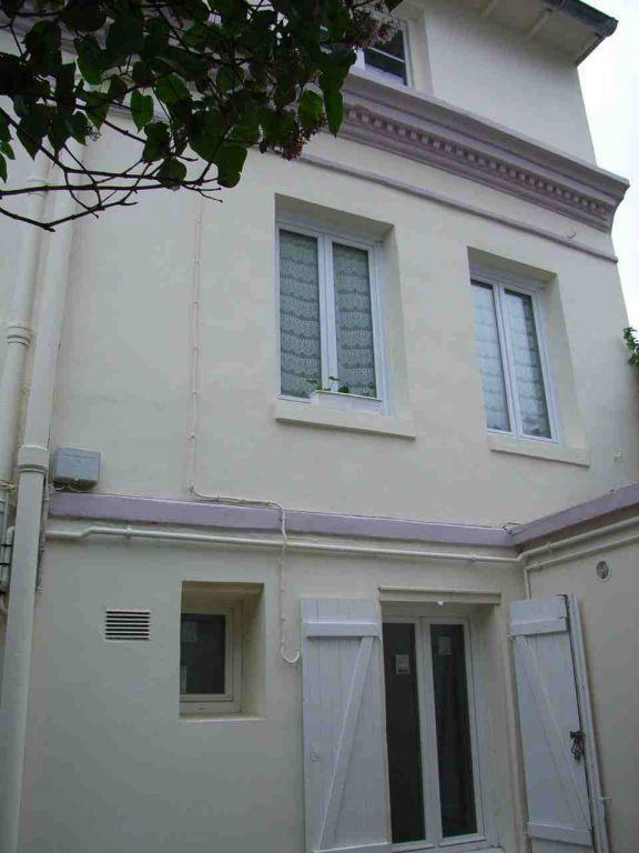 Appartement à louer 3 47.3m2 à Sainte-Adresse vignette-3