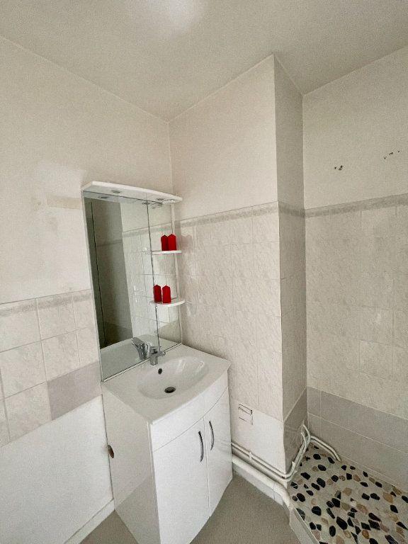 Appartement à louer 2 48.39m2 à La Rivière-Saint-Sauveur vignette-3