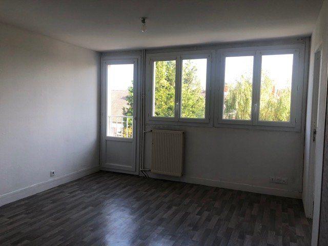 Appartement à louer 4 67.58m2 à Le Havre vignette-1