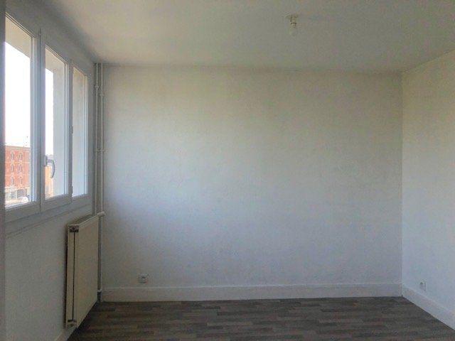 Appartement à louer 4 67.58m2 à Le Havre vignette-3