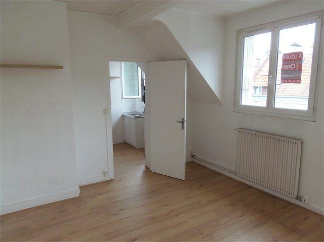 Appartement à louer 2 31.6m2 à Le Havre vignette-1