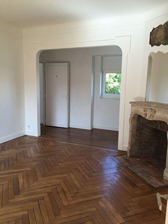 Appartement à louer 2 68.09m2 à Pont-Audemer vignette-1