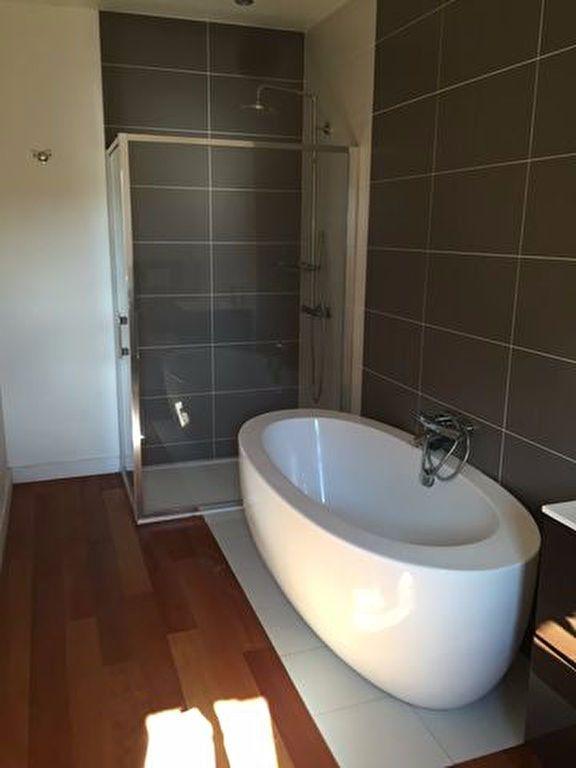 Appartement à louer 2 68.09m2 à Pont-Audemer vignette-2