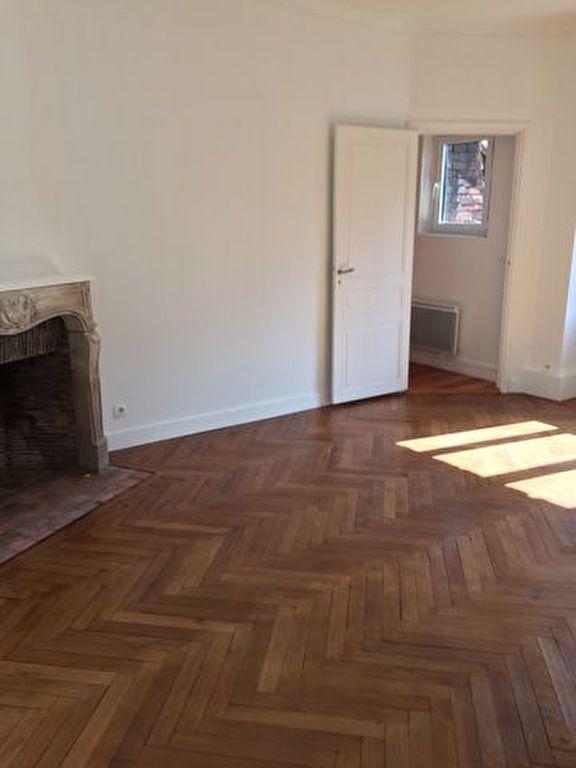 Appartement à louer 2 68.09m2 à Pont-Audemer vignette-3