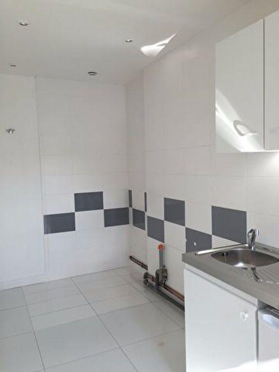Appartement à louer 2 68.09m2 à Pont-Audemer vignette-4