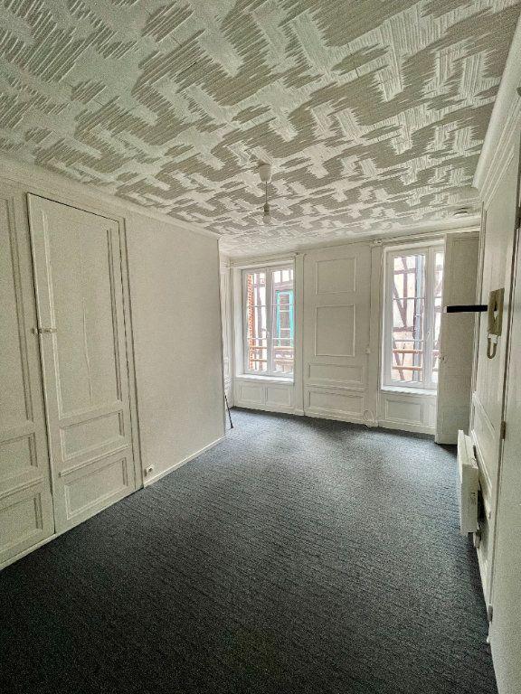 Appartement à louer 1 24.43m2 à Pont-Audemer vignette-1