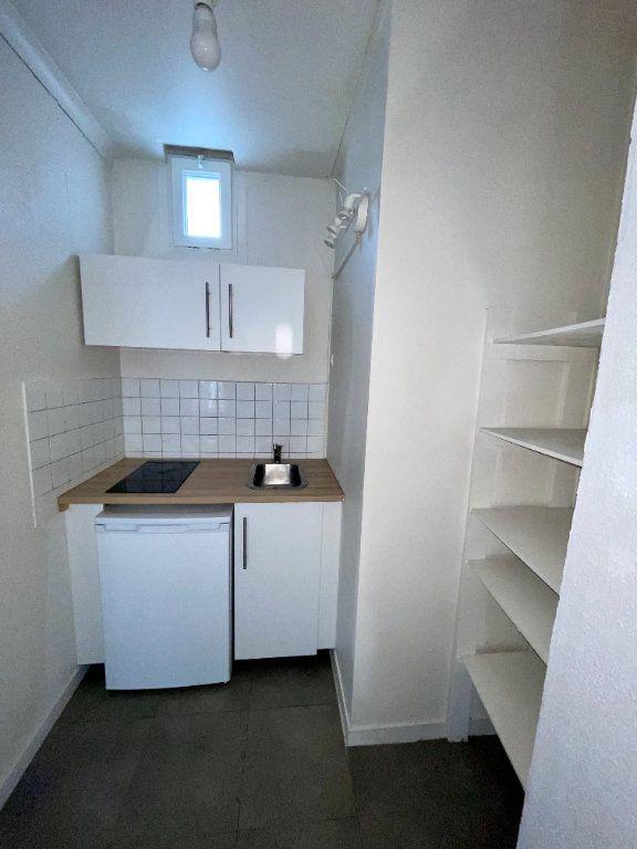 Appartement à louer 1 24.43m2 à Pont-Audemer vignette-2
