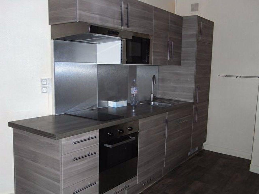 Appartement à louer 3 59.7m2 à Pont-Audemer vignette-1