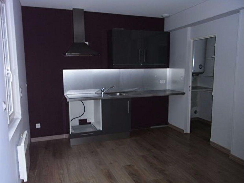 Appartement à louer 3 87.43m2 à Bourgtheroulde-Infreville vignette-2