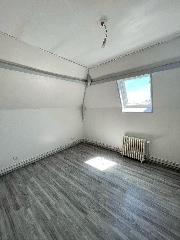 Appartement à louer 3 56.55m2 à Beuzeville vignette-3