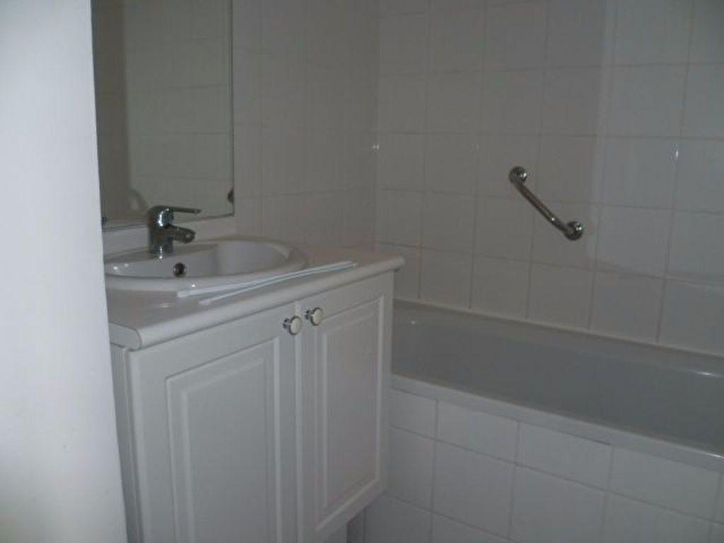 Appartement à louer 2 42.22m2 à Beuzeville vignette-4