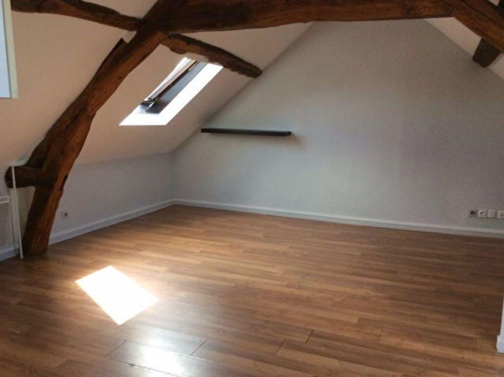 Appartement à louer 3 29.63m2 à Bourg-Achard vignette-1