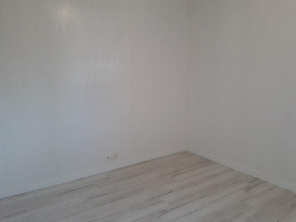 Appartement à louer 2 44.22m2 à Beuzeville vignette-3