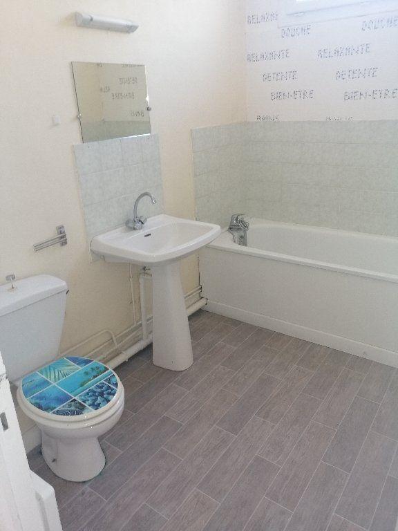 Appartement à louer 2 41.7m2 à Pont-Audemer vignette-3