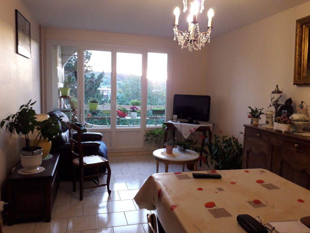 Appartement à vendre 3 62.66m2 à Pont-Audemer vignette-1