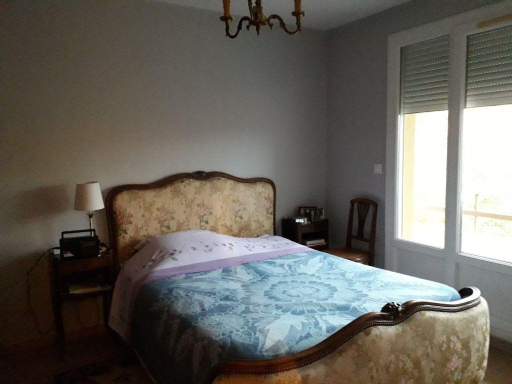 Appartement à vendre 3 62.66m2 à Pont-Audemer vignette-3