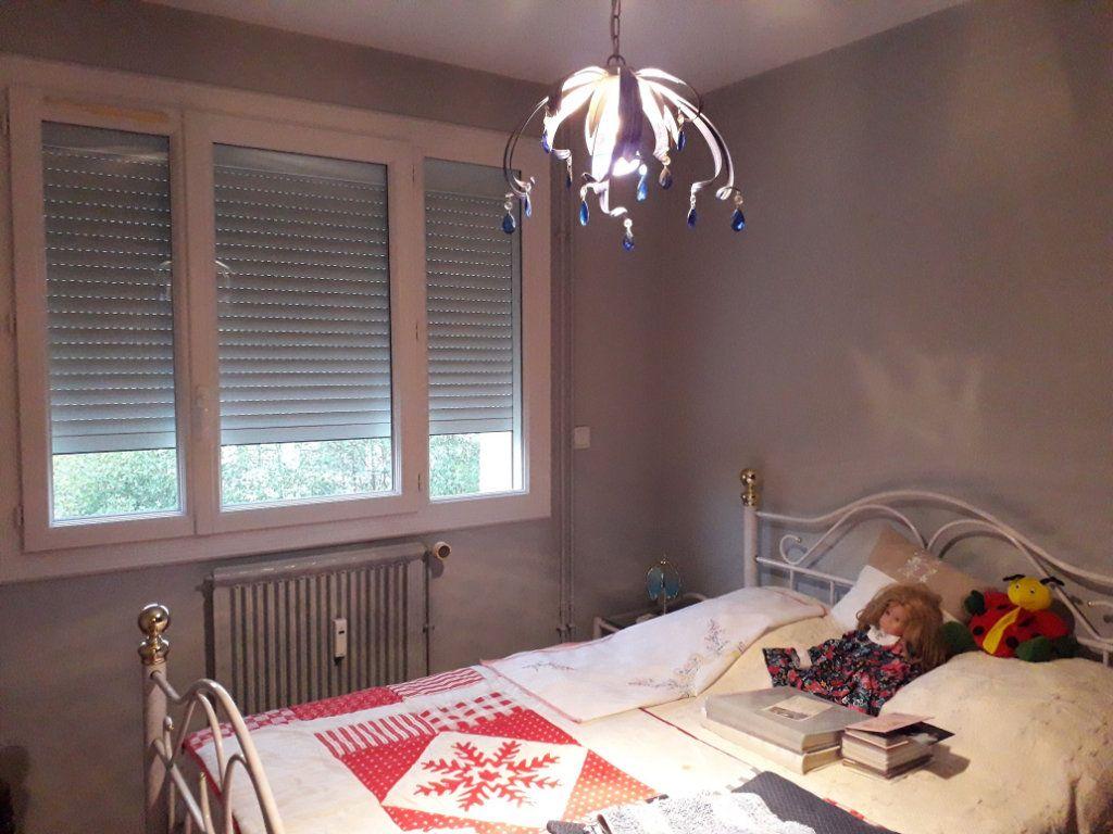 Appartement à vendre 3 62.66m2 à Pont-Audemer vignette-5