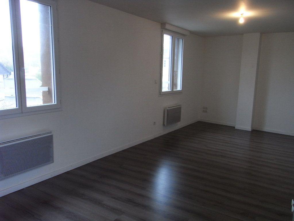 Appartement à louer 2 51.1m2 à Toutainville vignette-1