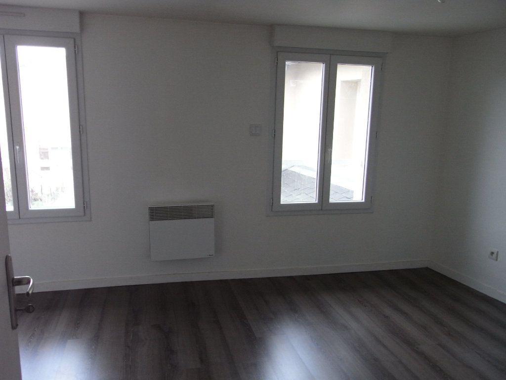 Appartement à louer 2 51.1m2 à Toutainville vignette-3