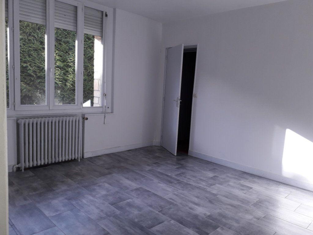 Appartement à louer 3 53.59m2 à Beuzeville vignette-1