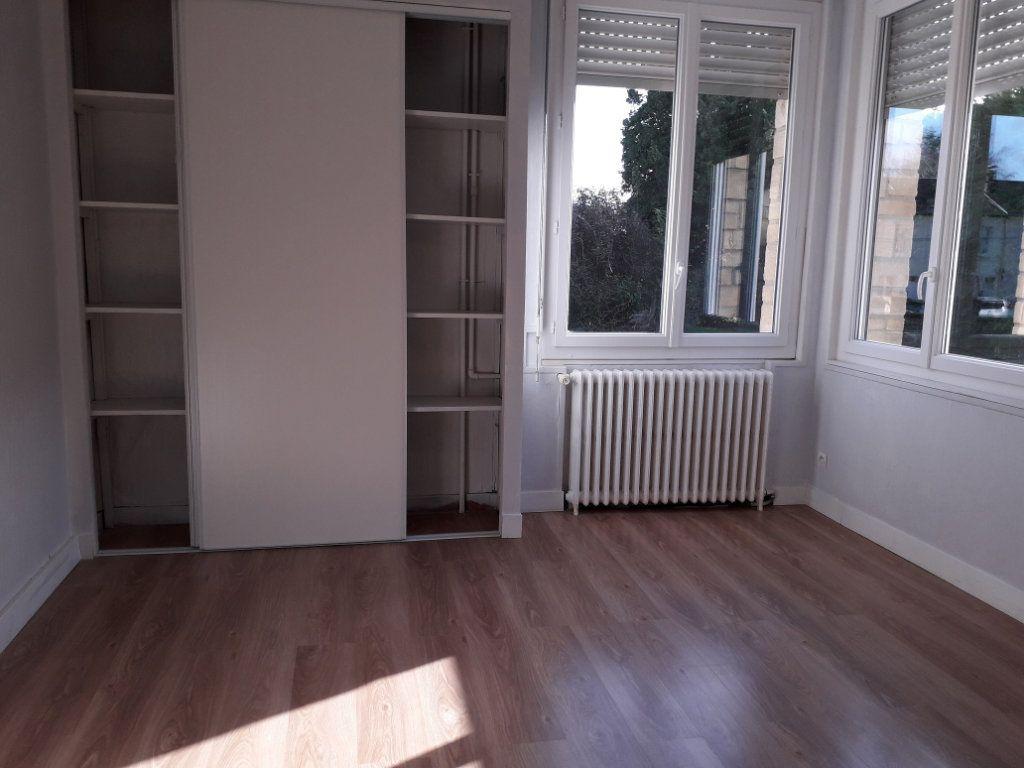 Appartement à louer 3 53.59m2 à Beuzeville vignette-2