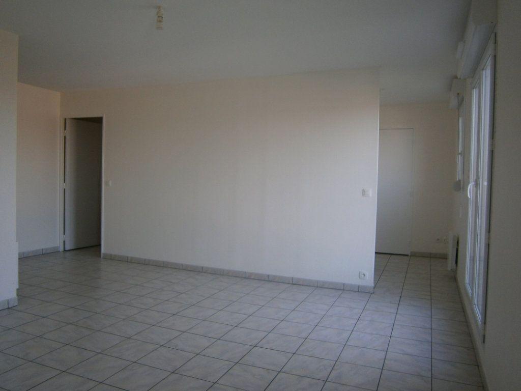 Appartement à vendre 2 46.9m2 à Beuzeville vignette-3