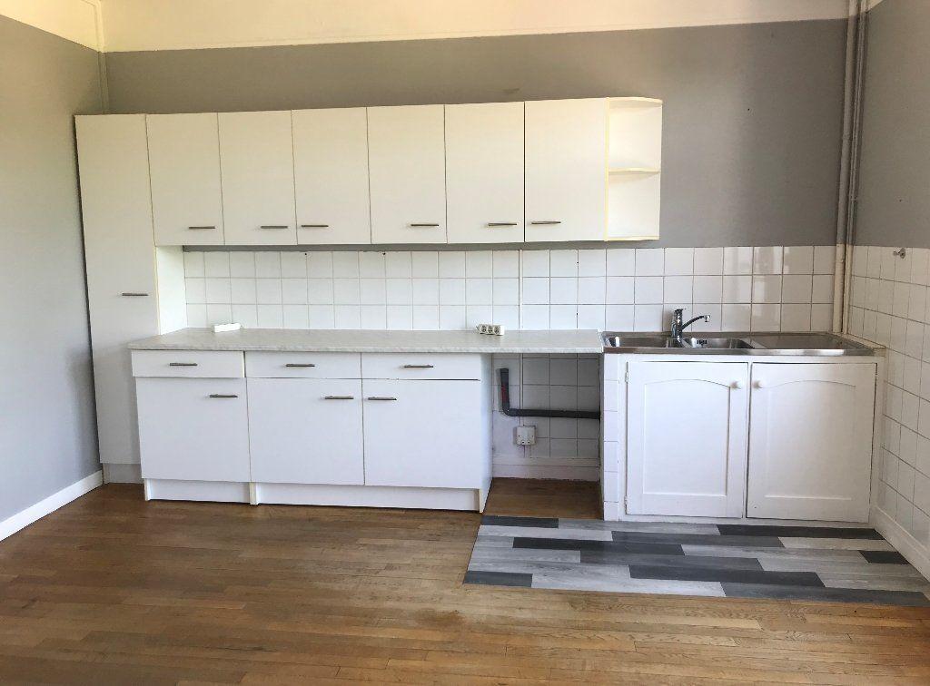 Appartement à louer 3 72.51m2 à Montfort-sur-Risle vignette-1