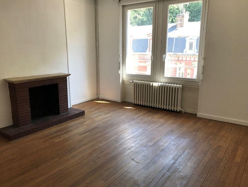 Appartement à louer 3 72.51m2 à Montfort-sur-Risle vignette-2