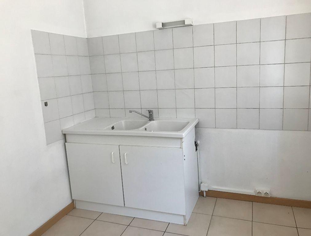 Appartement à louer 1 23.88m2 à Montfort-sur-Risle vignette-1