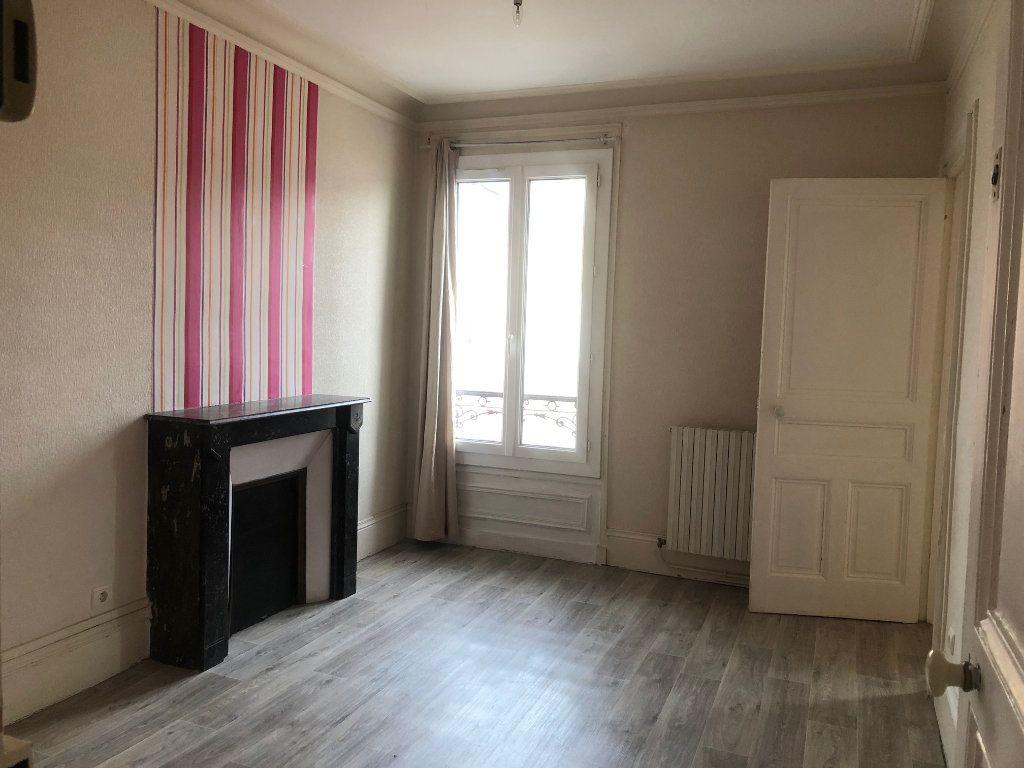 Appartement à louer 4 71.12m2 à Le Havre vignette-2