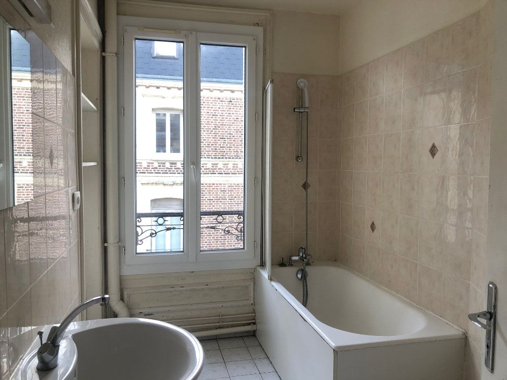 Appartement à louer 4 71.12m2 à Le Havre vignette-5
